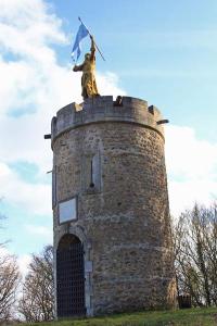 Tour Jeanne d'arc La chartre sur le Loir